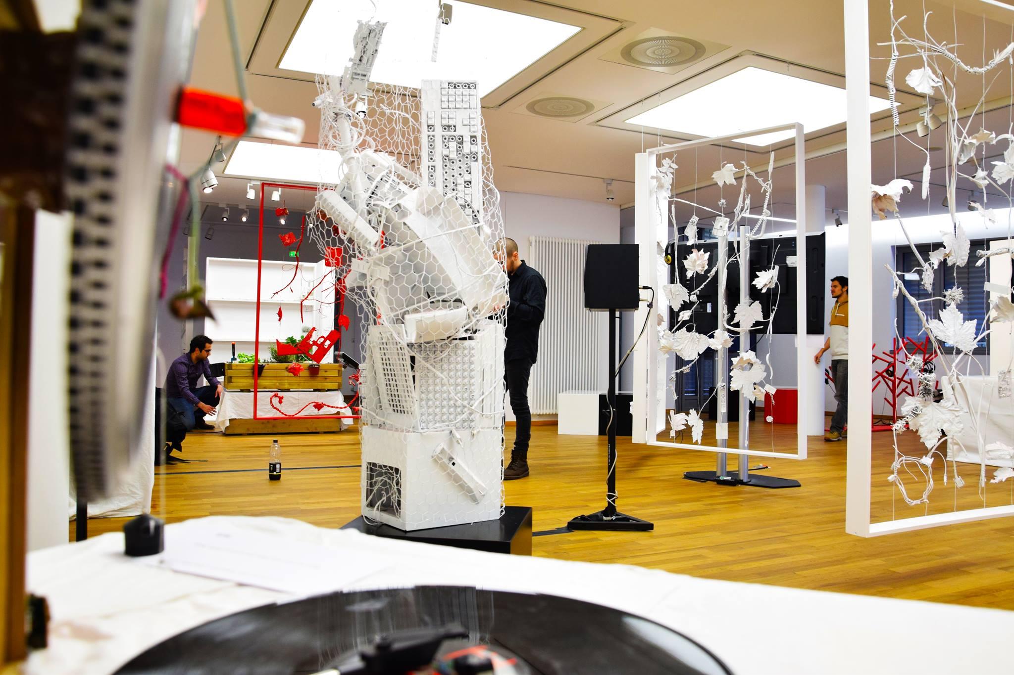 """Ausstellung: """"Bin gleich wieder da!"""" - Unterwegs in virtuellen Welten"""